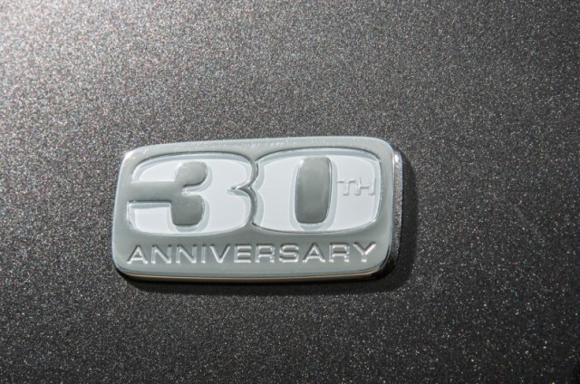 2014-Dodge-Grand-Caravan-30th-Anniversary-Edition-fender-badge-796x528