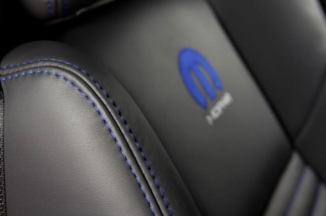 2014-Dodge-Challenger-Mopar-14-Edition-06-796x528