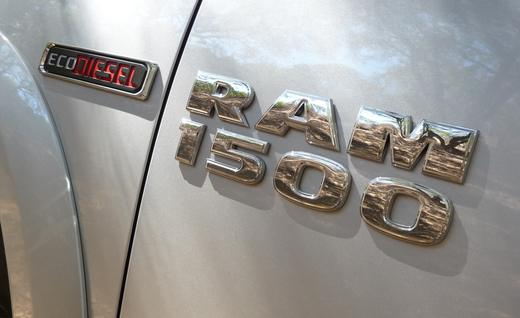 2014-ram-1500-ecodiesel-laramie-badges-photo-541408-s-520x318